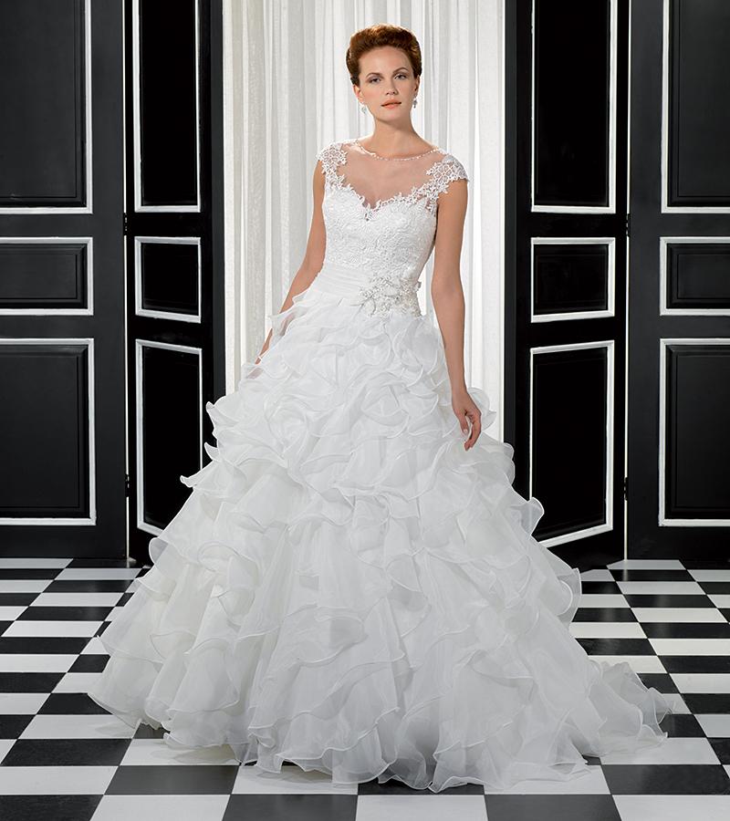 Wedding Dress For Petite Body Type