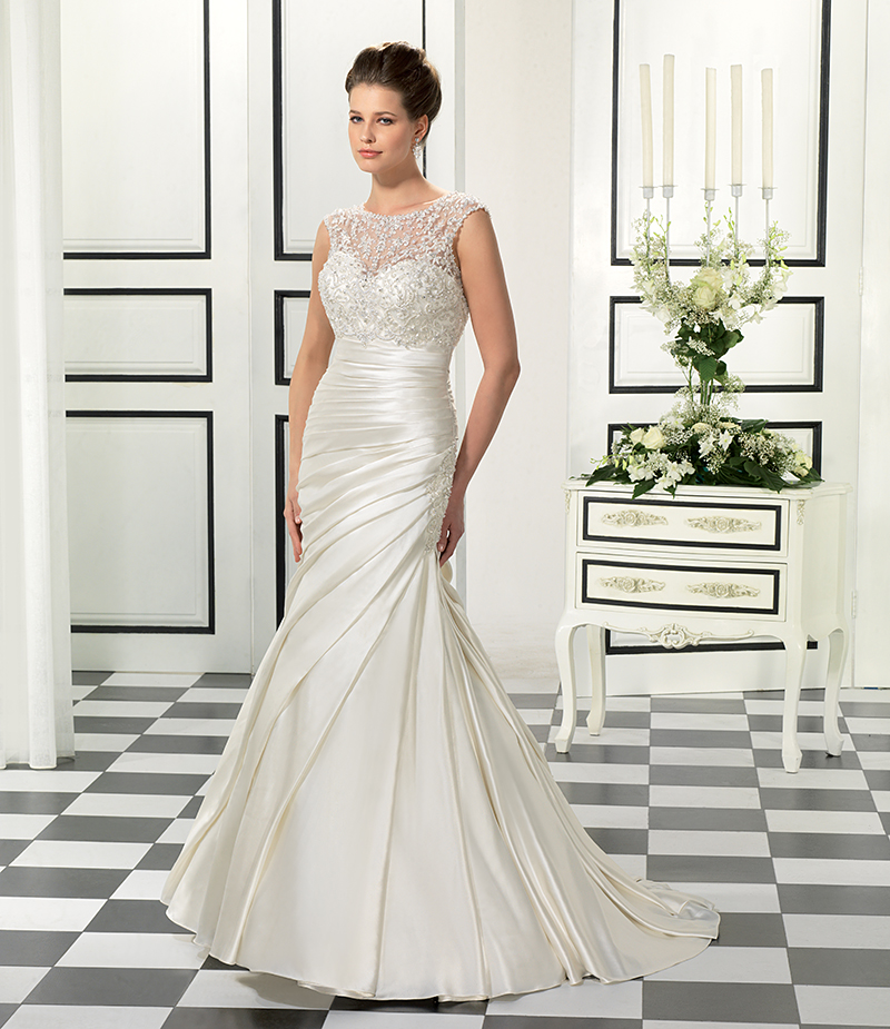 The perfect wedding dress for each body type eddy k for Wedding dresses for big chest