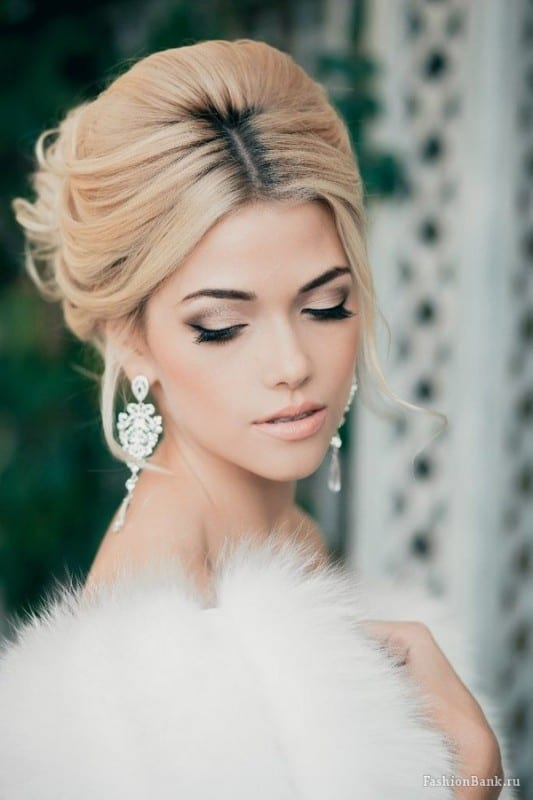Smokey Eye And Lip Bridal Makeup Looks