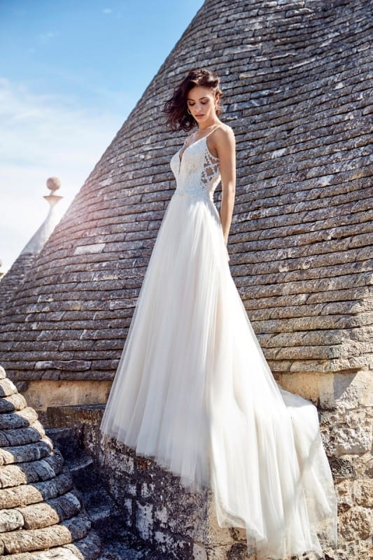5cf294e8dd09f 20 Hot wedding dresses trending in 2018 you don't want to miss out ...