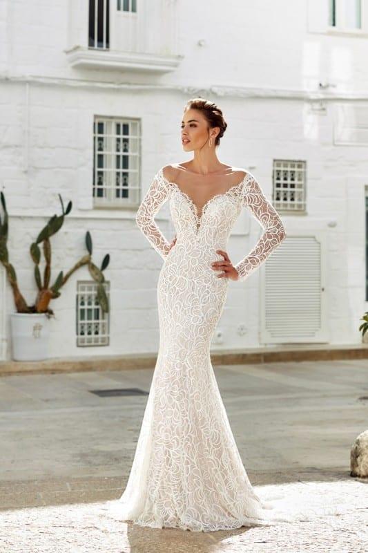 98c80d65daf 10 Beautiful long sleeve wedding dresses 2018