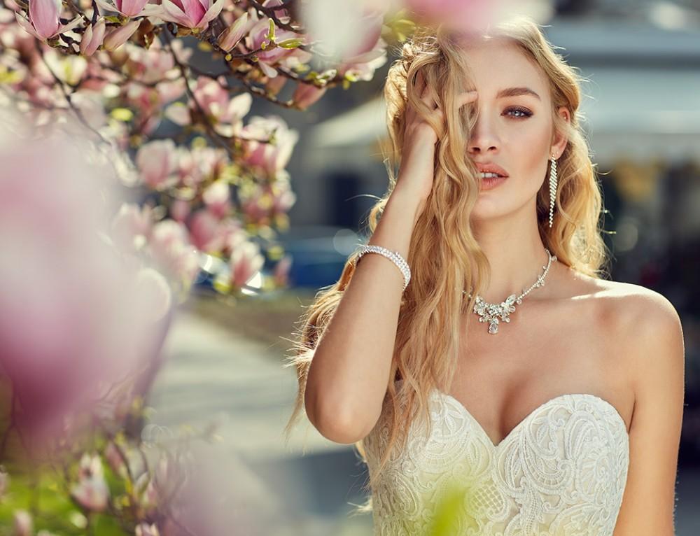 10 Elegant a-line Wedding Dresses 2018