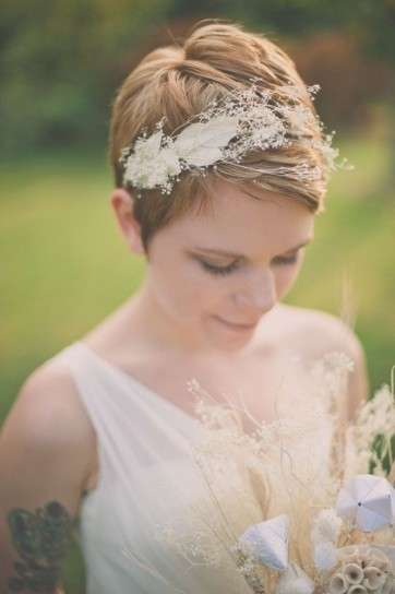 Easy 100 wedding hairstyles for every hair length eddy k bridal short hair is also spectacular romantic and bright thats why today we offer you a photo gallery with the best hairstyles for 2017 brides with short hair junglespirit Image collections