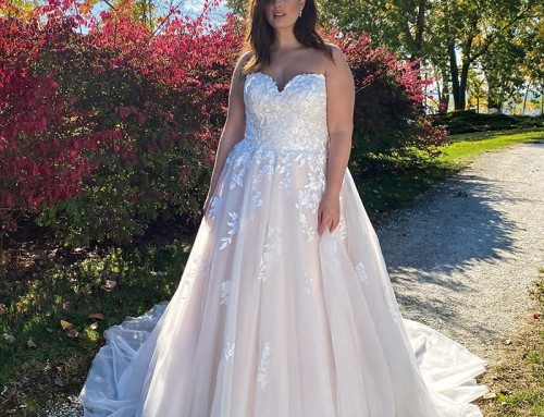 Wedding Dress UR222  2022 Collection